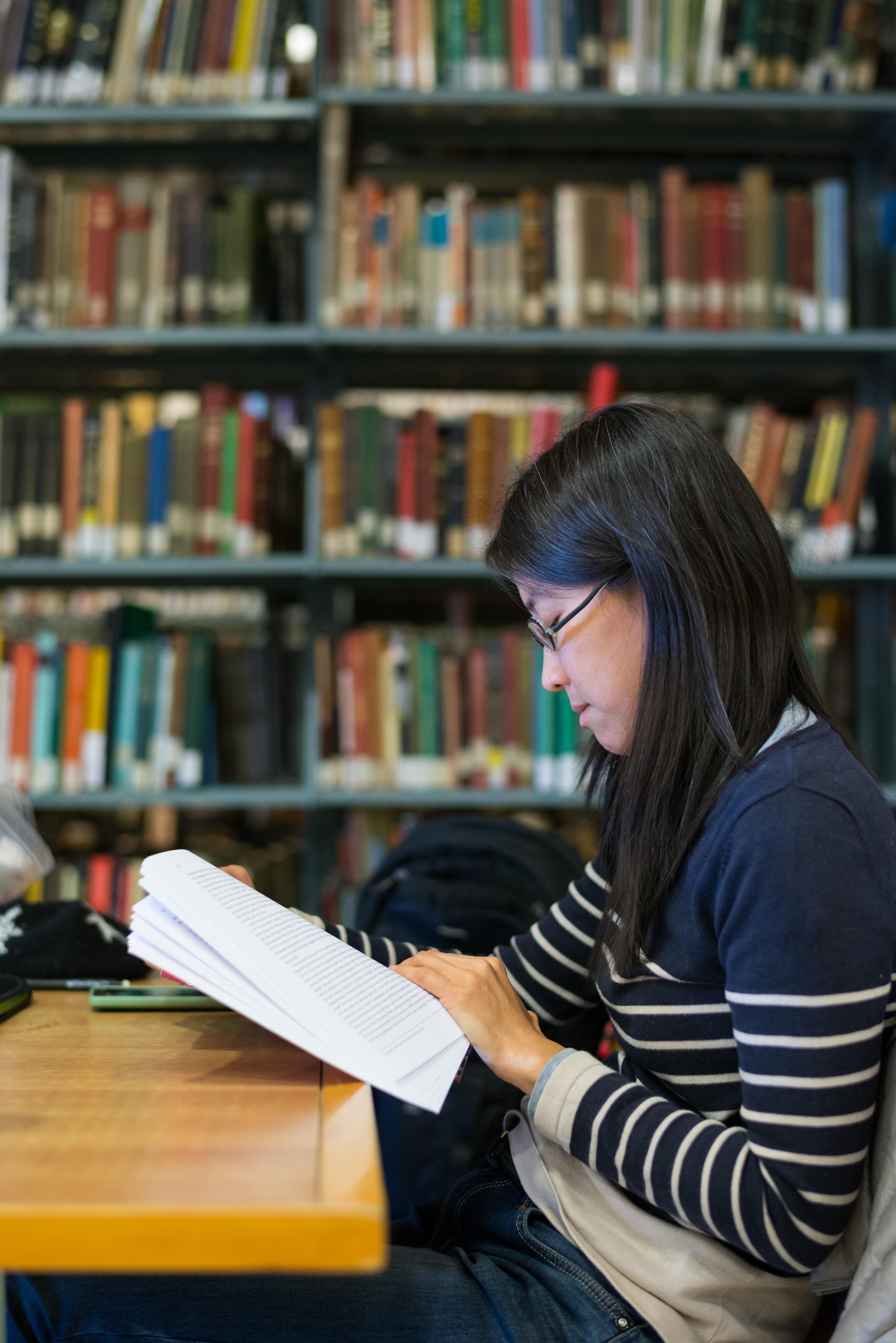 international-students-library-studying