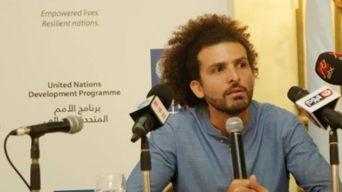 Omar Samra answers questions at the UNDP Goodwill Ambassador ceremony.