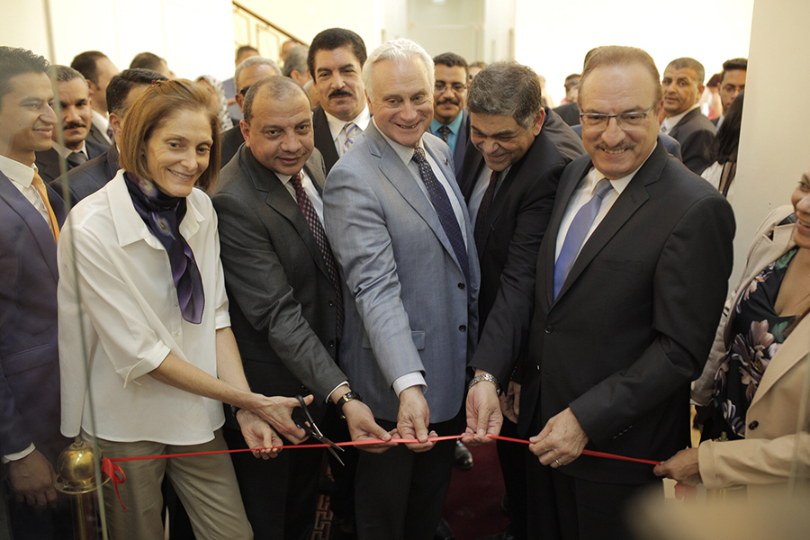 Sherry F. Carlin, director of USAID Egypt; Mansour Hassan, Beni Suef University President; Francis J. Ricciardone, AUC President; Ashraf Hatem, AUC counselor; and Sherif Habib, governor of Beni Suef inaugurate the opening of Beni Suef Unievrsity UCCD